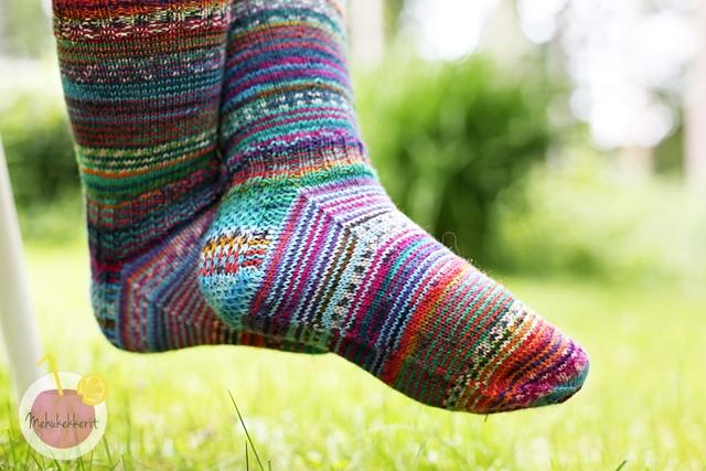 Räsymattosukat ja sukan päättely silmukoimalla