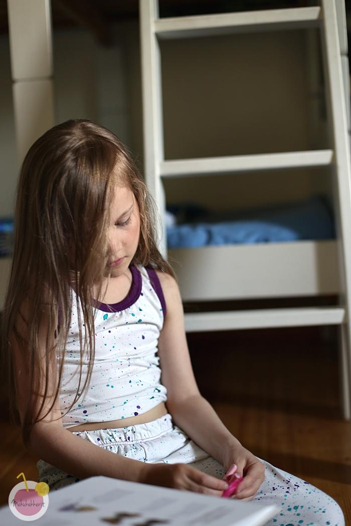 Yöpuvun ompelu lapselle