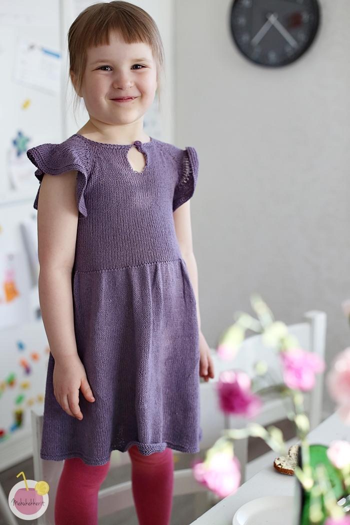 Neulottu mekko lapselle, ohje